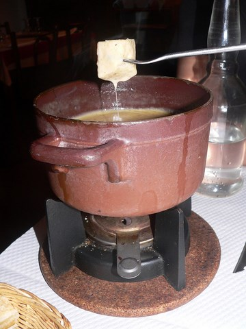 fondue savoyarde - photo  David.Monniaux - CC BY-SA 3.0